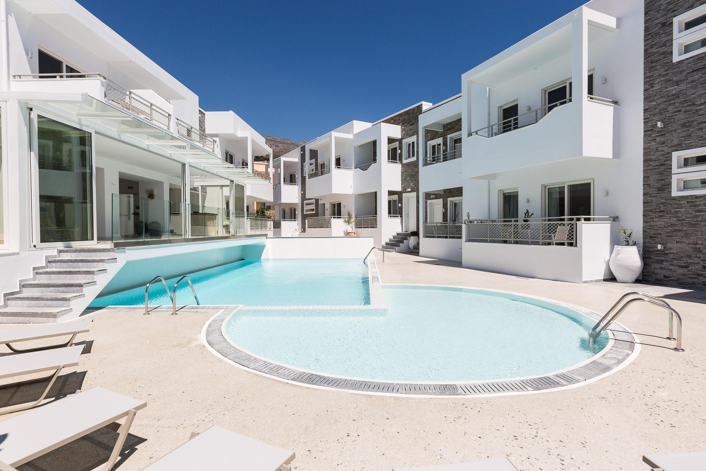 Cyano Hotel Pool